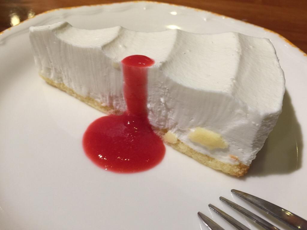 チーズケーキ ラズベリーソース
